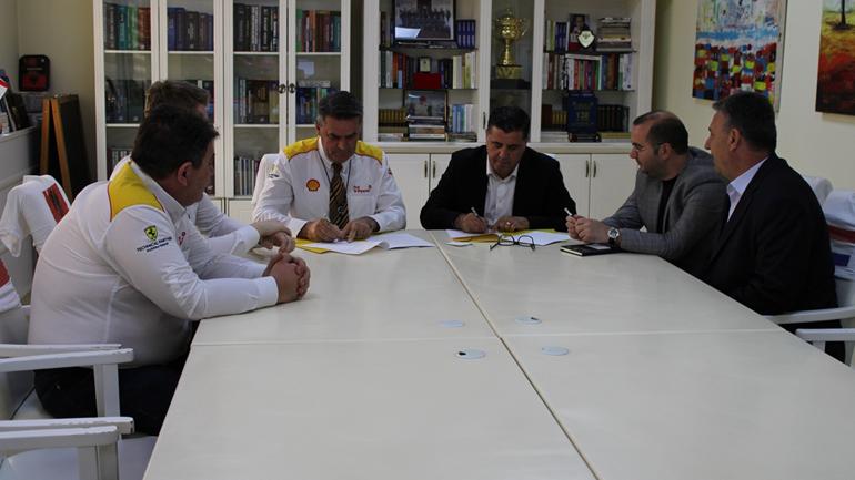 Gjilani nënshkruan memorandum mirëkuptimi me Shell Kosova për përkrahjen e fermerëve