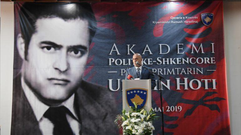 Ukshin Hoti, i rrallë në shumësinë e mendimit politik shqiptar