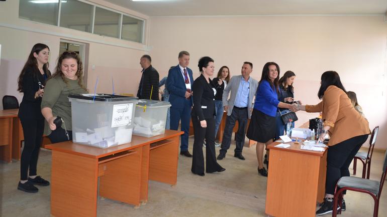 """U mbajtën zgjedhjet e studentëve në Universitetin """"Kadri Zeka"""" në Gjilan"""
