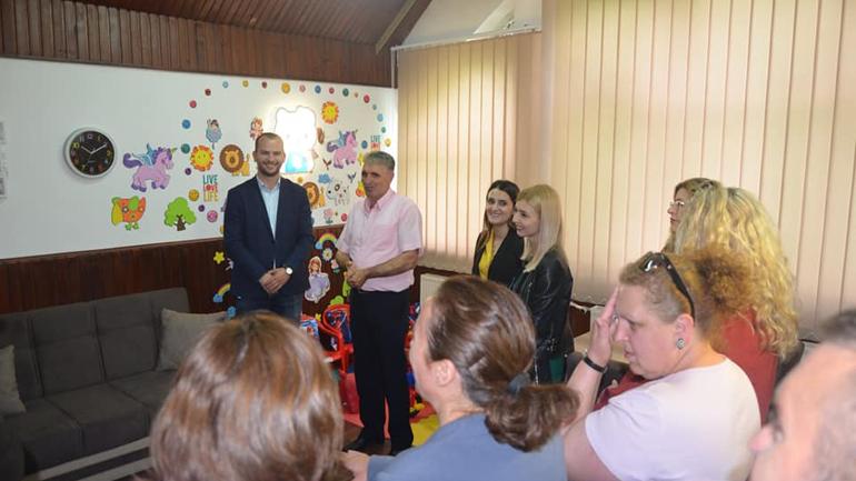 Kamenicë: Përurohet zyra për intervista me fëmijë dhe kontakte fëmijë-prindër
