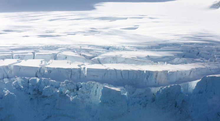 Grinlanda humbi 2 miliardë ton akull për vetëm një ditë