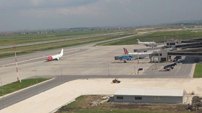 Ja pse u vonuan aeroplanët në mëngjesin e sotëm!