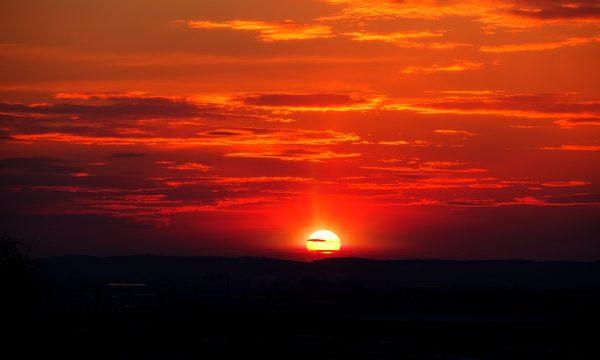 Të vrojtosh perëndimin e diellit është ilaç natyral