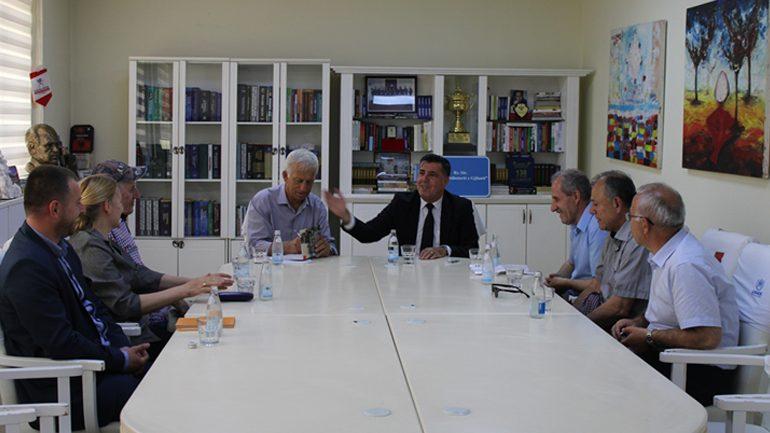 "Edi Shukriu shpallet fituese e çmimit letrar ""Beqir Musliu"" 2019"