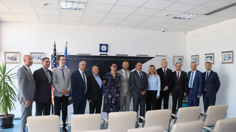 Agjencia e Kosovës për Forenzikë pranoi certifikatën e Ri-akreditimit të Laboratorëve