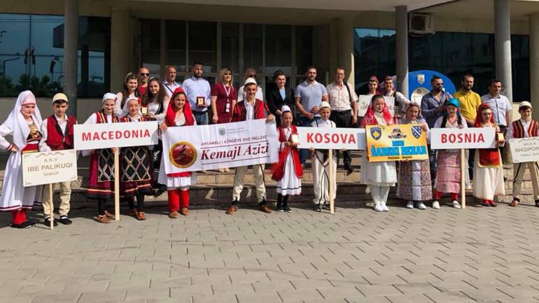 """Valltarët e rinj të AKV-së """"Kemajl Azizi"""" në vendin e tretë në Festivalin """"FERFOLK"""""""