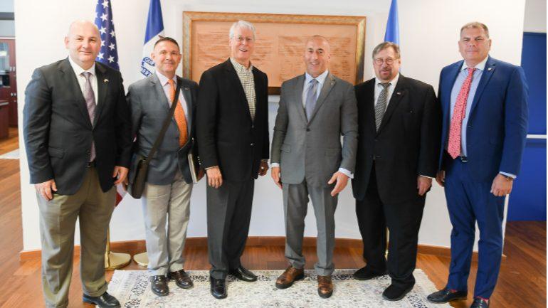 Projekti për Qytetin Ekonomik Kosovaro-Amerikan iu prezantua Frank Cownie, Kryetar i Des Moines, nga Iowa