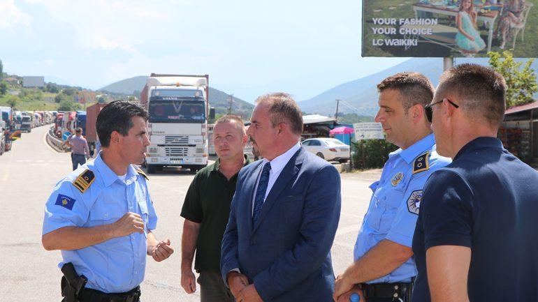 Ministri Mustafa mbikëqyri nga afër zbatimin e marrëveshjes për kontrollin e përbashkët kufitar me Shqipërinë