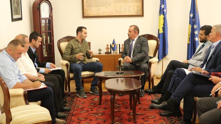 Ministri Mustafa prit në takim përfaqësues të qytetarëve nga Lugina e Preshevës