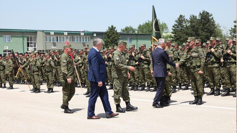 Presidenti i Kosovës me rastin e 20 -vjetorit të çlirimit të vendit vizitoi FSK-në
