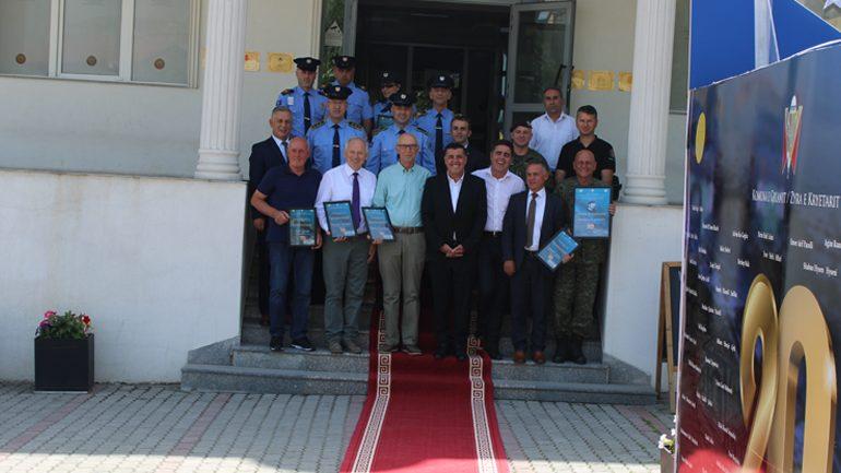 Mirënjohje personaliteteve që dhanë për çlirimin e vendit dhe për më të dalluarit në Polici, FSK e Njësitin e Zjarrfikësve (FOTO)