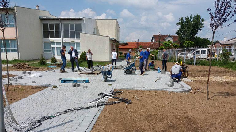 Haliti: Po vazhdon realizimi i projekteve rrugore dhe i trotuareve në komunën e Vitisë