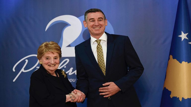 Veseli e falënderon ish-sekretaren amerikane Madeleine Albright, për gjithçka që ka bërë për Kosovën