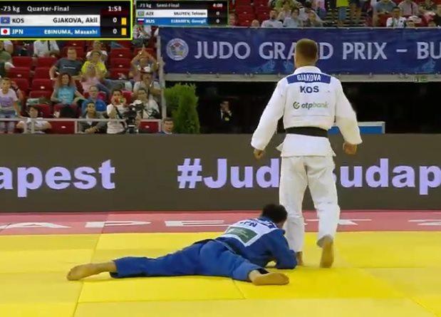 Akil Gjakova i siguron medalje Kosovës, në finale për të artën