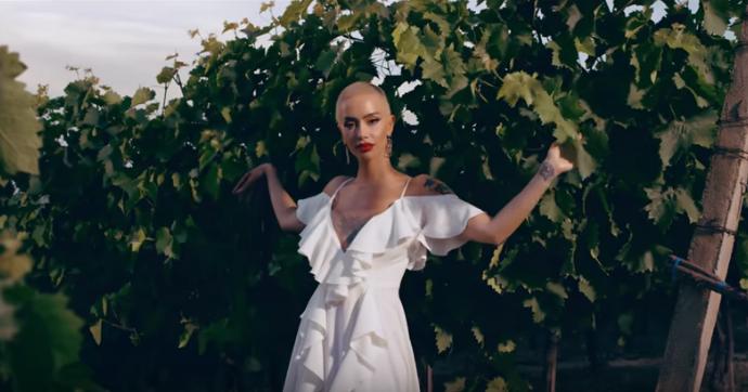"""Dafina dhe Lumi B sjellin """"Lule Lule"""", ripërpunojnë këngën e vjetër shqipe"""