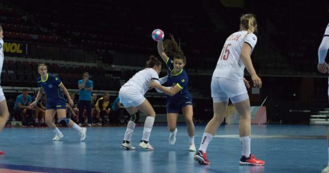 Çekia mposht bindshëm Kosovën U19 në hendboll