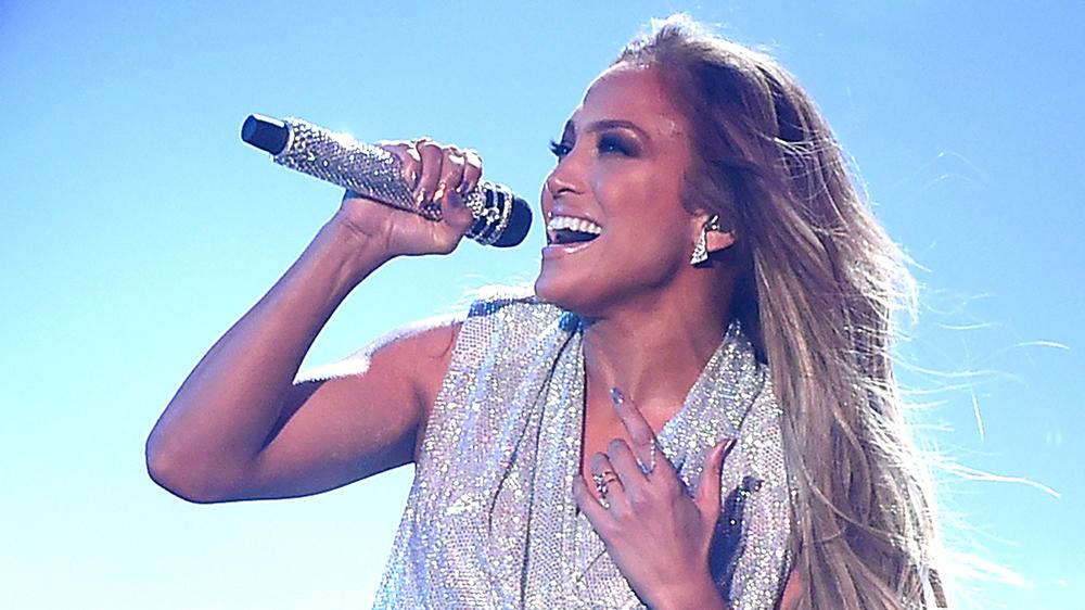 Rryma ia ndalon koncertin, Lopez përsërit performancën