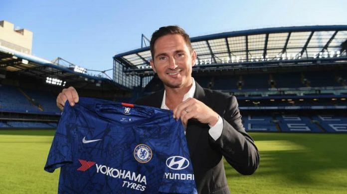 Ish-futbollisti me më së shumti paraqitje, zyrtarisht trajner i Chelsea-s