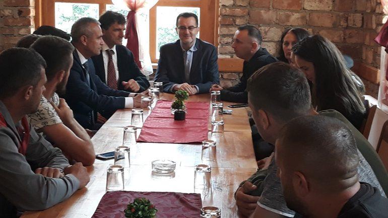 """PD: Thyhet """"miti"""" i liderit, Agani në Muqibabë!"""