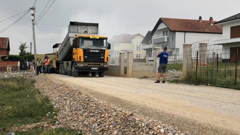 Korça: Komuna e Gjilanit po e përmbyllë asfaltimin e të gjitha rrugëve në lagjen Arbëria