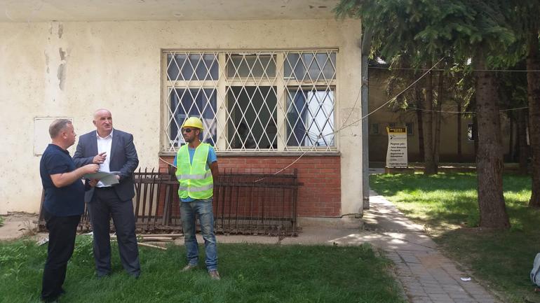 Nisin punimet për rivitalizimin e ndërtesës së komunës