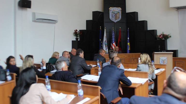 Ndërpritet seanca e gjashtë e Kuvendit Komunal, opozita braktisi mbledhjen