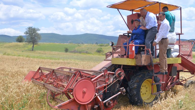 Kryeministri Haradinaj: Qeveria do t'i qëndrojë pranë fermerëve dhe bujqve
