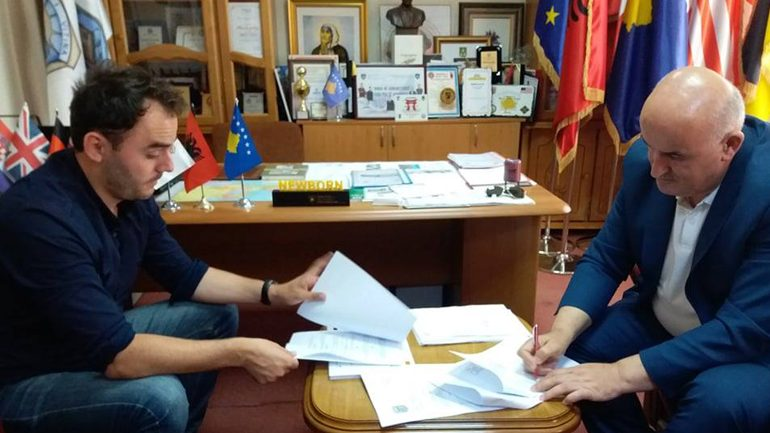 Vitia dhe Fondacioni Kosovar për Trashëgimi Kulturore pa Kufij CHwB restaurojn objektin e Muzeut komunal