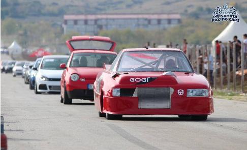 Gara e veturave 'Drag Race 3' spektakël, fituesi dominant