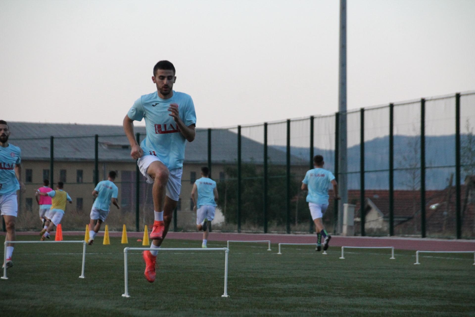 Lejohen stërvitjet për klubet e futbollit
