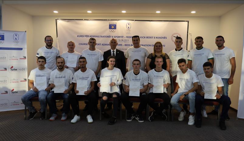 Përfundon kursi për administratorë sporti në Federatën e Kick-Box-it të Kosovës