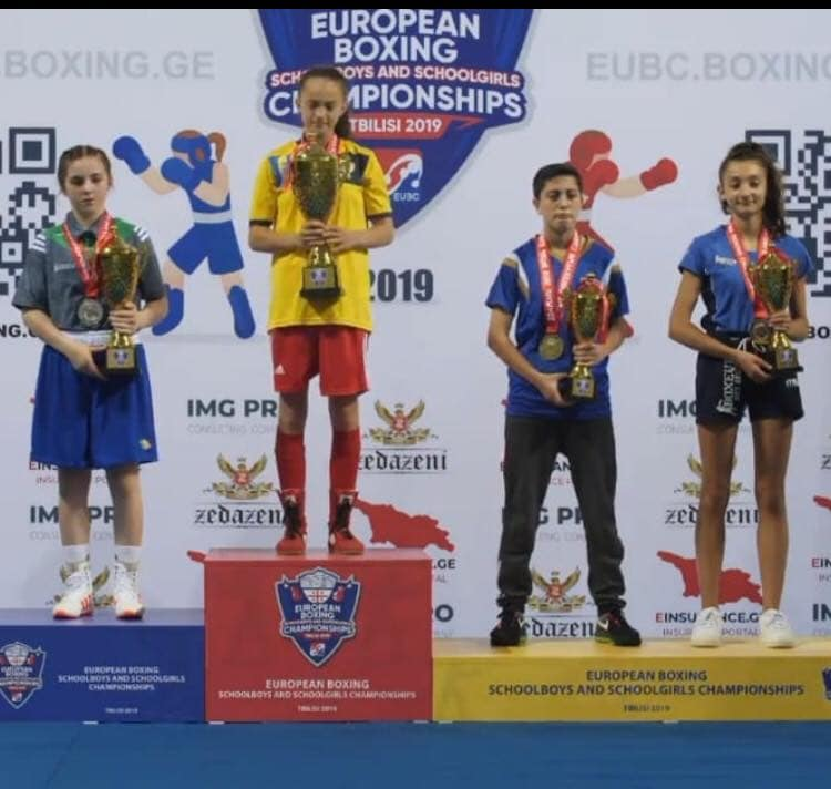 Boksierja kosovare sjell medalje nga Kampionati Evropian