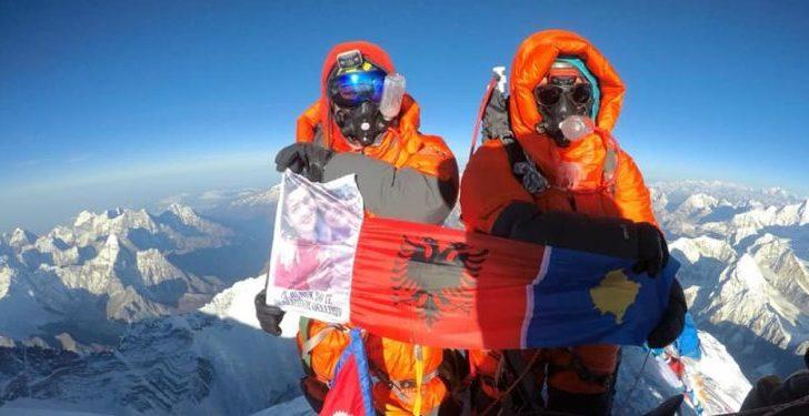 Alpinistja kosovare rekord botëror, kompleton ngjitjen e shtatë majave më të larta në botë