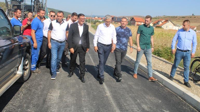 Haziri inspekton punimet në përmbylljen e rrugë së Cernicës, kosto mbi 300 mijë euro