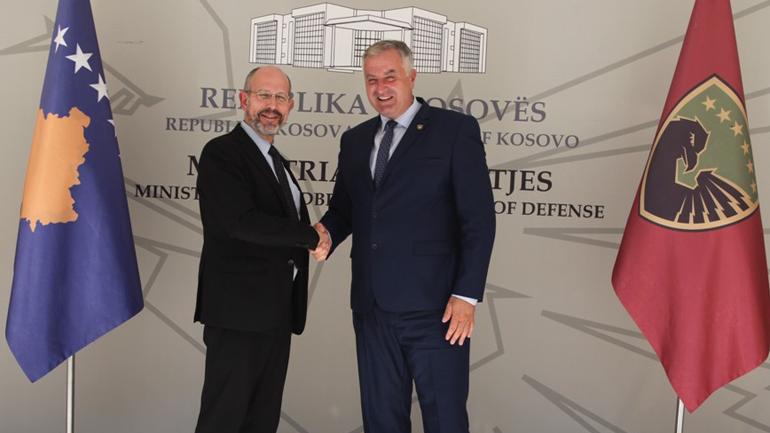 Ministri i Mbrojtjes dhe komandanti i FSK-së pritën në vizitë shefin e Operacioneve dhe Misioneve të NATO-s