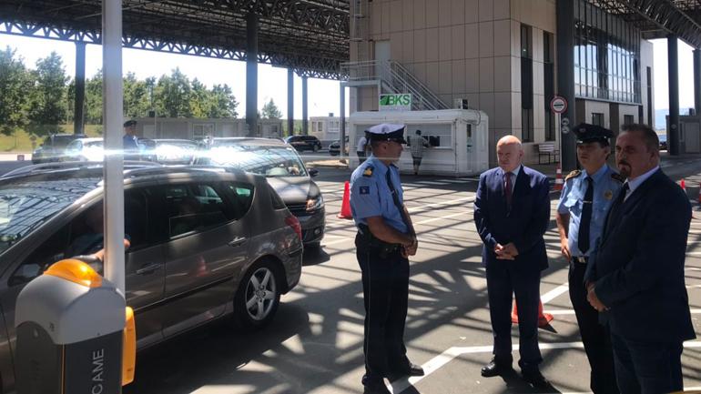 Ministri Mustafa vizitoi Pikën e Kalimit Kufitar në Merdare