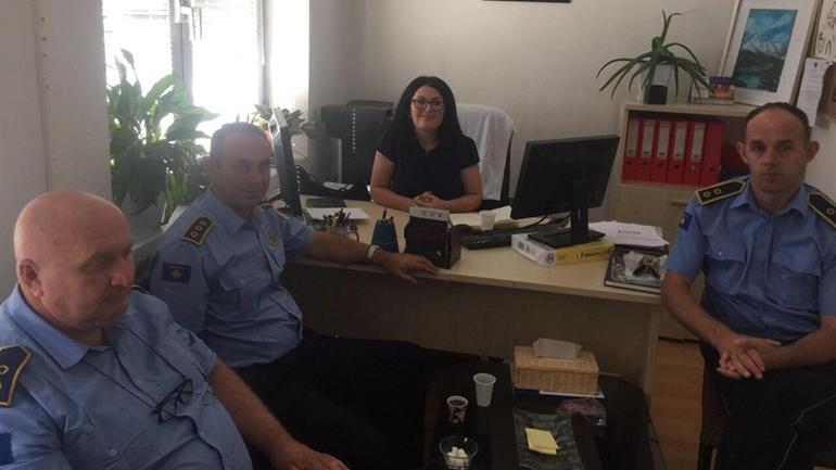 Drejtoresha Emini ka pritur në takim komandantin e Stacionit Policor të Vitisë, Afrim Halili