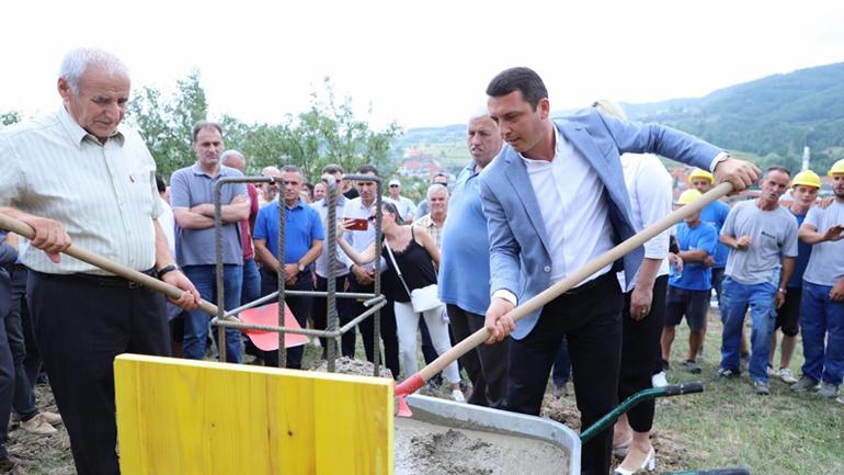 Në Hogosht të Kamenicës, u vu gurthemeli i shtëpisë muze të heroit Rexhep Mala
