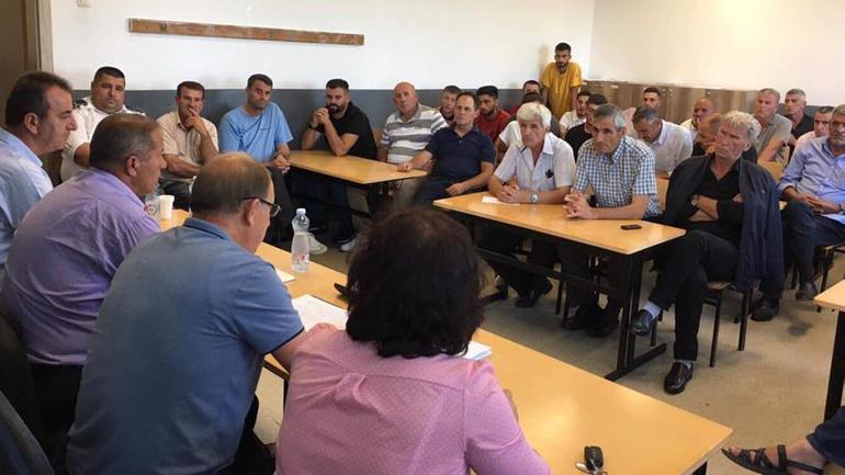Diskutime publike për planifikimin e buxhetit komunal në Vërban e Smirë