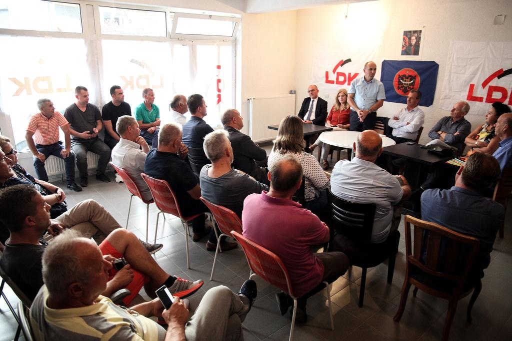 Nënshtabi i LDK'së në Dheu i Bardhë: Kosova e ka shansin historik të kthehet në binarë të drejtë