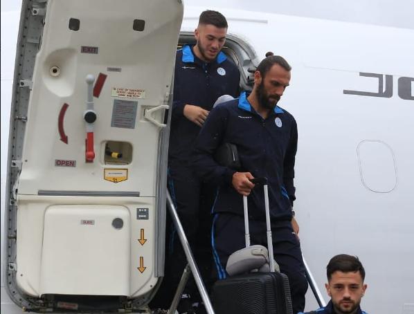 Lojtarët e Kosovës nisen drejt Katarit për turneun kontrollues