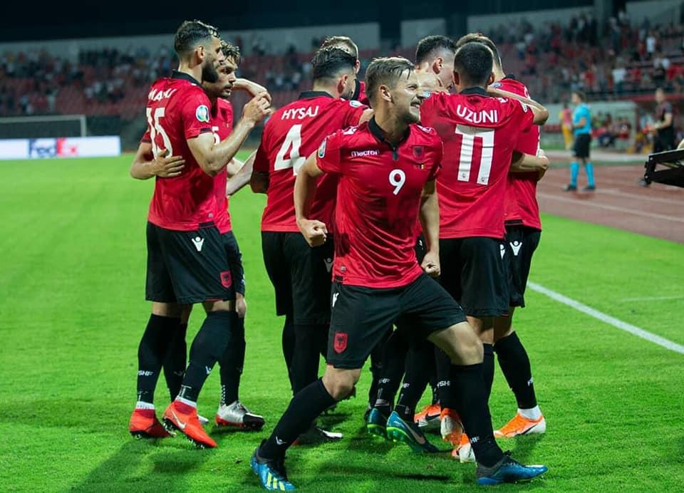 Shqipëria e mposht bindshëm Islandën