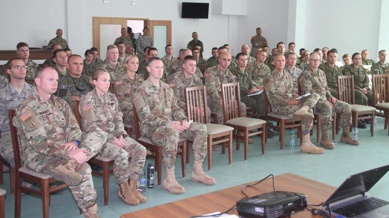 50 oficerë të Gardës Kombëtare të Ajovës vizitojnë FSK-në