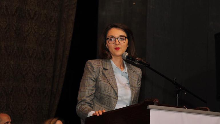 Arbëreshë Kryeziu – Hyseni: Rrëzuat qeveri në kohë pandemie, bëtë koalicion me Listën Serbe, mos na shitni moral!