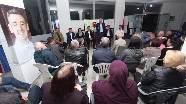 """""""Dheu i Bardhë"""" mirëpret kandidatët për deputetë të PDK-së"""
