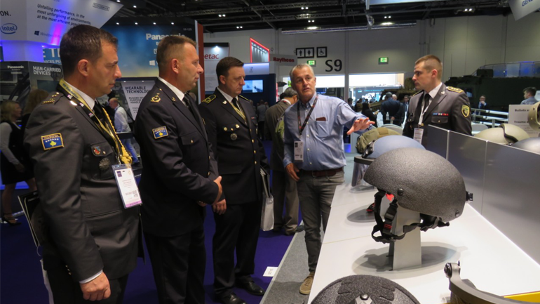 Gjenerallejtënant Rrahman Rama mori pjesë në Panairin e Industrisë Ushtarake në Londër