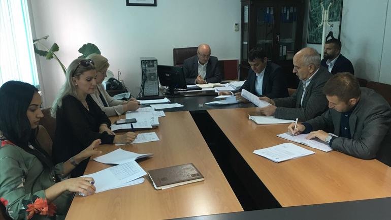 Ndërpritet mbledhja e rregullt e Komitetit për Politikë dhe Financa