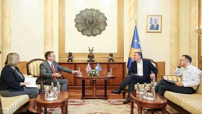 Veseli takoi ambasadorin e ri të Mbretërisë së Bashkuar, Nicholas Abbott
