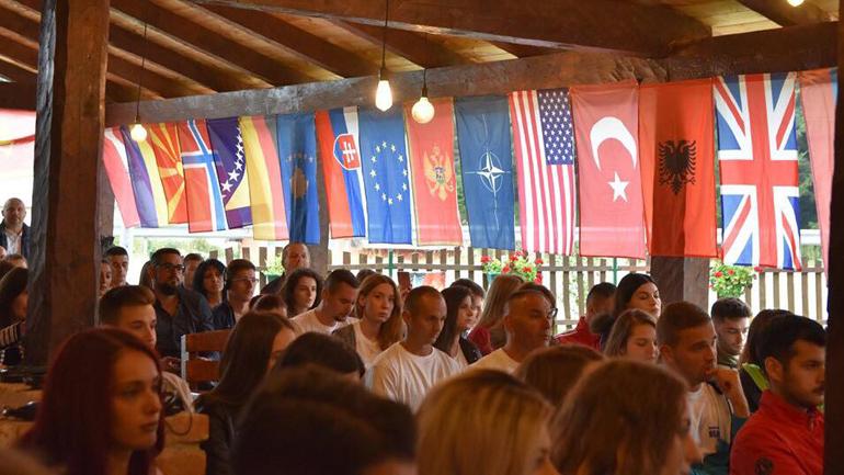 Të rinjtë e KYATA nga Kosova pjesë e kampit regjional Euro-Atlantik