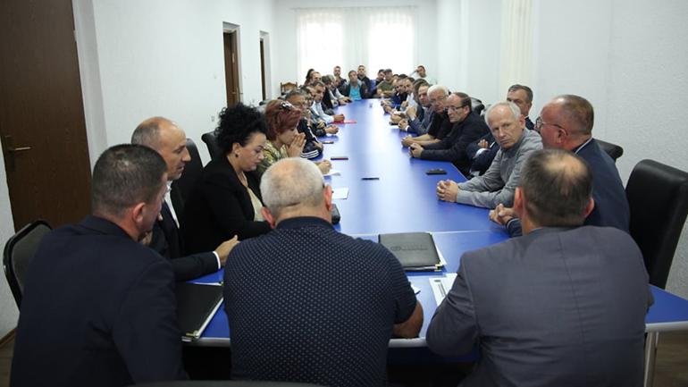 LDK e Gjilanit: Gjithçka gati për pritjen e Vjosa Osmanit